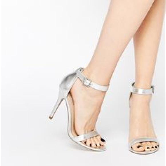 67b6f736709 Steve Madden Shoes - Steve Madden Realove Silver Metallic Pump Heels